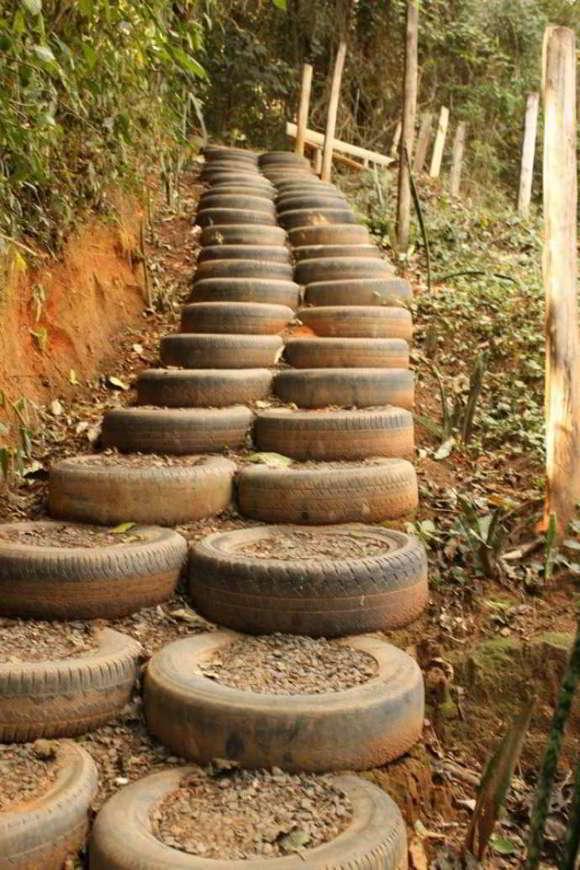 Садовые ступеньки из старых покрышек своими руками